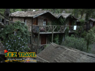 View our Kylie explores the old famous Treehouses at Kadirs, Olympos in Turkey. [0:52]